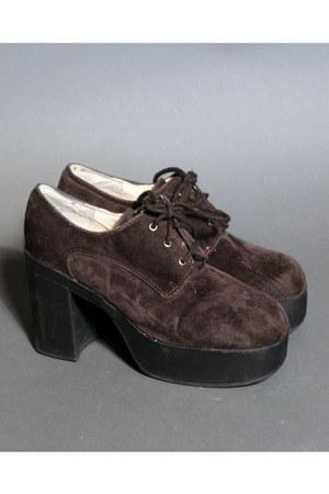 Moonshine Hill heels