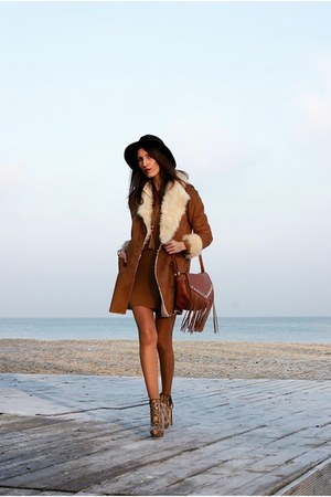 bronze c&a coat - c&a hat - c&a bag