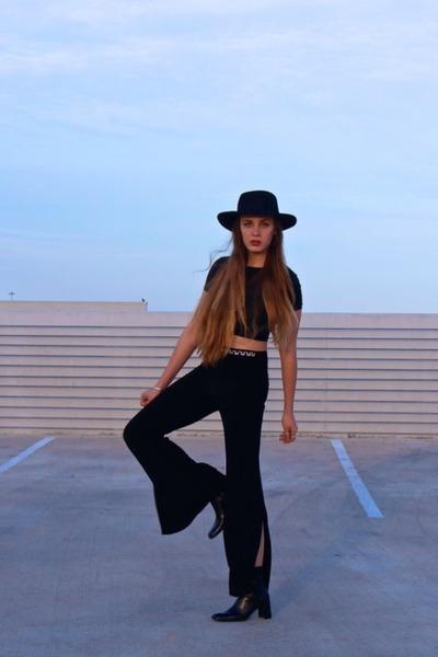 black whhttt boots - black felt wide brim whhttt hat - black whhttt pants