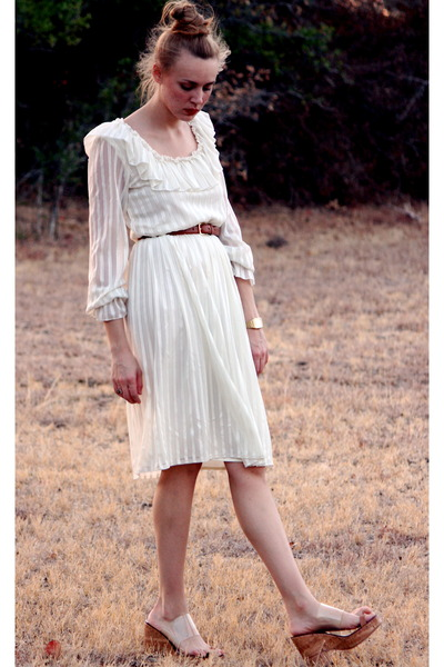 cream frilly whhttt dress - tawny leather American Apparel belt