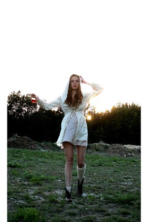 dark brown leather vintage boots - cream Me dress - peach slip Me intimate - egg