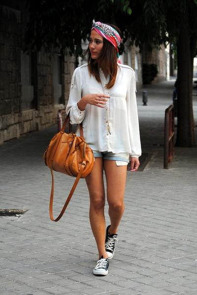 H&M scarf - Zara shirt - Bimba & Lola bag - Zara shorts - Converse sneakers