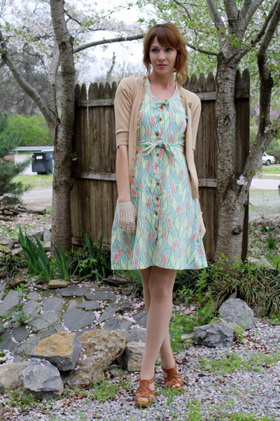 aquamarine vintage dress - nude Target tights - eggshell vintage gloves - camel