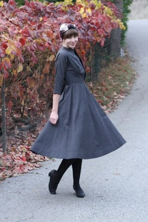 gray vintage dress - magenta vintage scarf - black vintage loafers