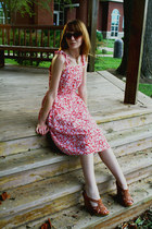 coral vintage dress - brown modcloth sunglasses - tawny Steve Madden wedges - iv