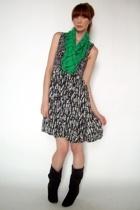 vintage scarf - vintage dress - vintage boots