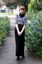 black calvin klein boots - black H&M dress - white Bershka sweater - black modcl