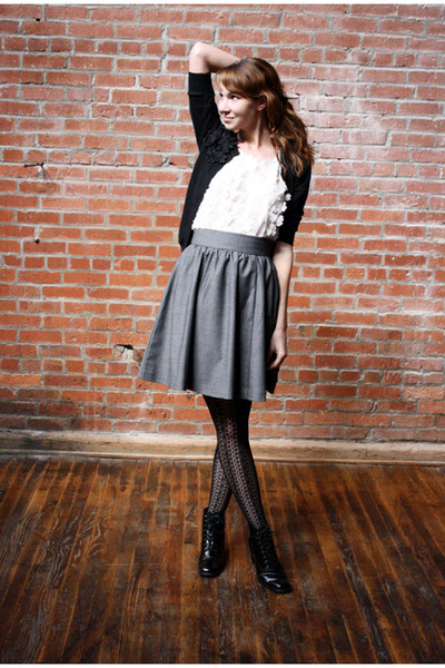 black vintage boots - light pink H&M shirt - black Target tights - heather gray