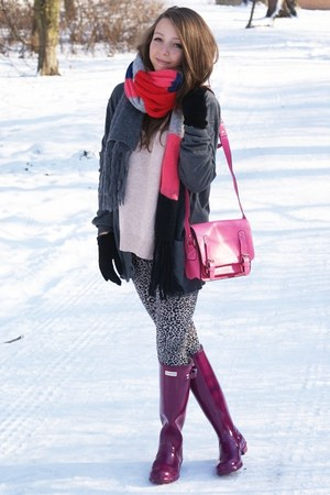 magenta Hunter boots - light pink romwe sweater - charcoal gray H&M sweater