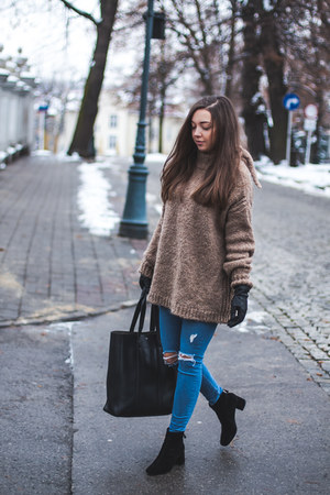 brown Zara sweater - black deezee boots - blue Topshop jeans