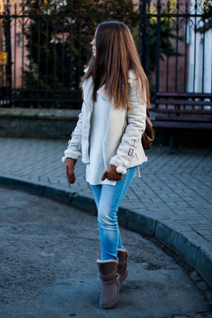 white Rosewholesale jacket - dark brown Noos icon boots - sky blue H&M jeans