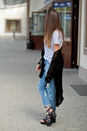 black pull&bear shoes - blue tbdress jeans - black Zara bag