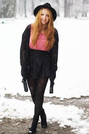black H&M shoes - black OASAP hat - black romwe sweater - black H&M tights