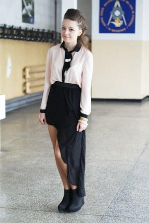 black VJ Style skirt - neutral VJ Style shirt