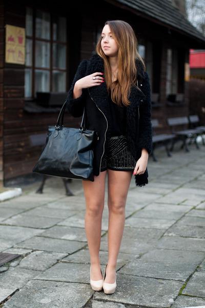 black romwe coat - beige Papilion shoes - black Super galanteria bag