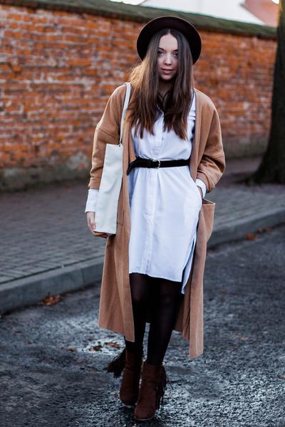 camel lookbookstore coat - dark brown Lakini boots