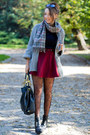 Black-papilion-boots-heather-gray-second-hand-sweater