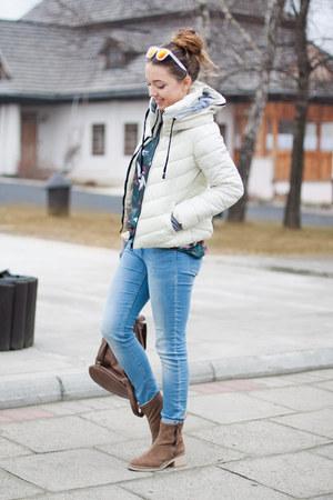 brown Vero Stilo bag - light brown Zara boots - off white Light in the box coat