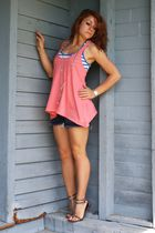 pink American Eagle top - blue Mossimo shorts - silver The Village Thrift neckla