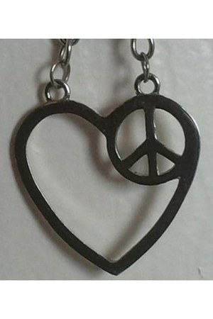 silver peace  love Hot Topic necklace