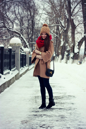 maroon knitted reserved scarf - black suede Zara boots - tan wool Zara coat