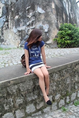 stripes H&M skirt - pull&bear shoes - Forever 21 bag - Stradivarius t-shirt