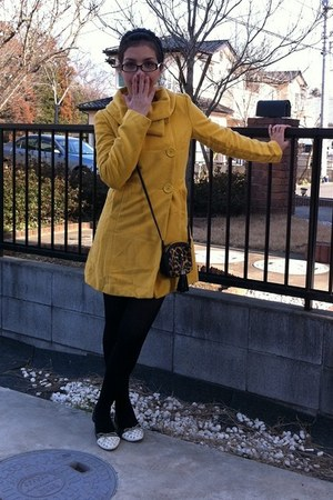 cotton yellow coat - smooth black leggings - lacestud white flats