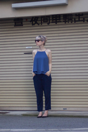 brown Mango sunglasses - blue Mango top - blue Zara pants - brown Frye flats