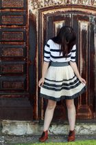 white H&M shirt - blue Urban Outfitters belt - white Anthropologie skirt - brown