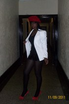 blazer - red beret hat - shorts - tufted platform pumps - black tank top