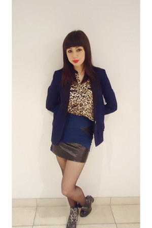 navy rubi boots - navy cotton on blazer - navy skirt - stockings