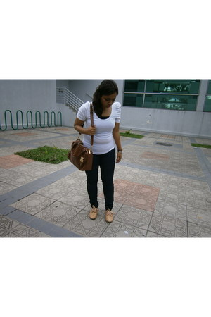 Zara jeans - Vincci shoes - leather bag Charles & Keith bag