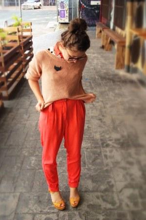 pink supre jumper - mustard suede Novo heels