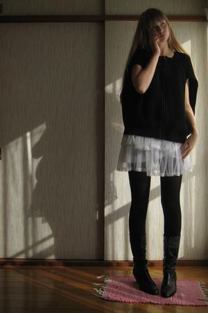 black Comptoir des Cotonniers sweater