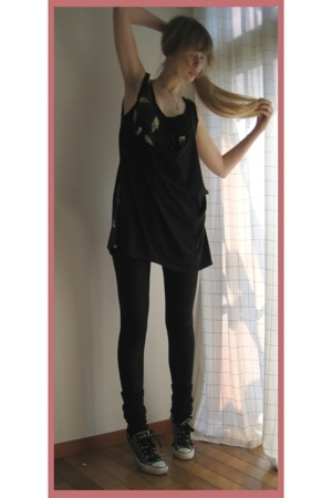 Hanjiro dress - American Apparel leggings - Converse shoes - Milkfed necklace