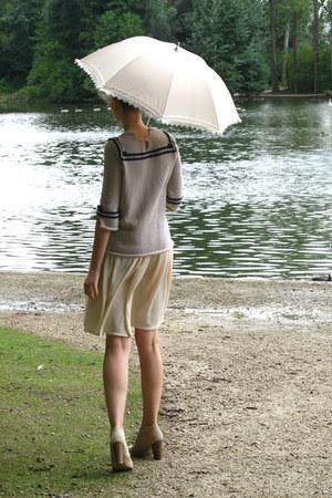tan Mano boots - heather gray handmade sweater - ivory American Apparel skirt
