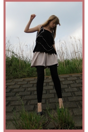H&M top - Hanjiro shorts - American Apparel leggings - Newlook shoes