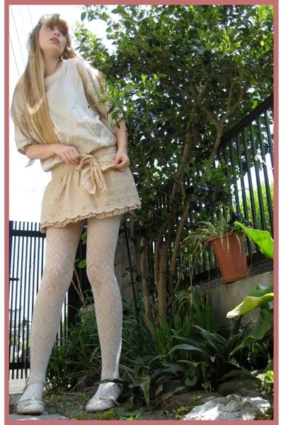 beige Mikio Sakabe top - beige  shoes - beige Liz Lisa skirt