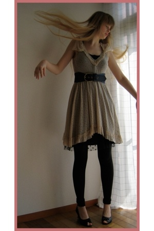 Chic nana dress - vintage skirt - H&M belt - American Apparel leggings - store i