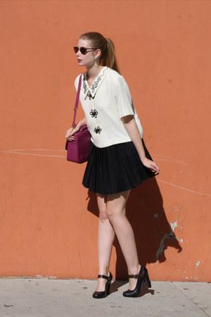 ivory vintage blouse - magenta meyongdong market bag - navy Marni heels