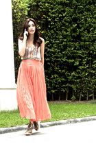 Light-orange-chiffon-pleated-mychickpea-pants