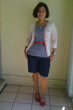 red miz mooz wedges - navy ann taylor shirt - navy ann taylor shorts