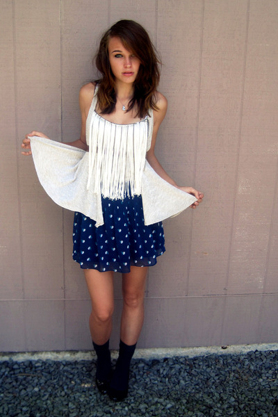 blue American Eagle skirt - black shoes - blue gifted socks - gray fringe top