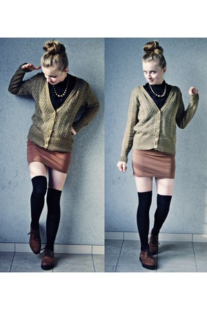 burnt orange shoes - mustard sweater