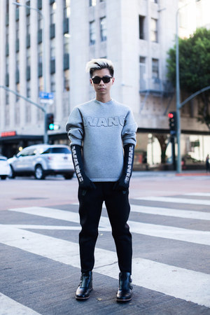 heather gray neoprene Alexander Wang sweater - black buckle tsubo boots