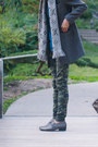 Dark-brown-tweed-zara-coat-dark-green-camo-cult-of-individuality-jeans