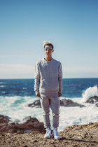 heather gray sweater LAPSE sweater - white platform Palladium boots