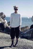 white sweater chapter jumper - black black Yves Saint Laurent boots