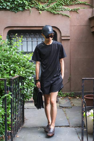 black Eliran Nargassi shorts - black Fox hat
