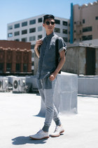 sky blue denim shirt Matiere shirt - white suede Walk Over shoes
